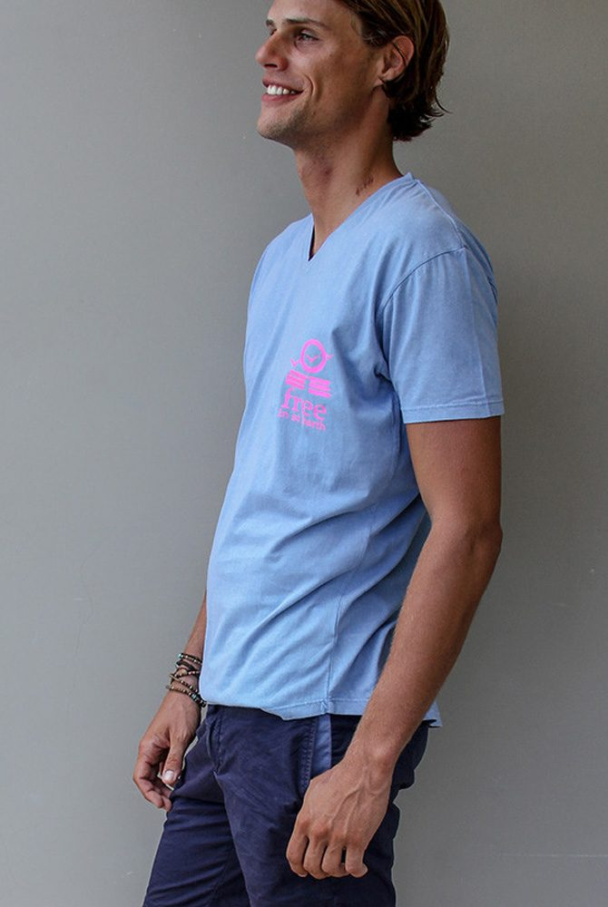 vneck tee | fre e in st barth | st barths fashion men