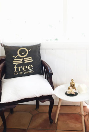 cushion case foil | free in st barth