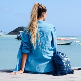 Are you ready for the weekend ? ✨ #bluemood 💙 . . . #freeinstbarth #stbarth #stbarts #morganshirt #stbarthlife #sun #beachlife #endlesssummer #addictedtoparadise